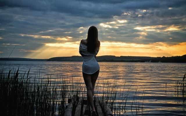 Девушка на речке ночью - история рыбака