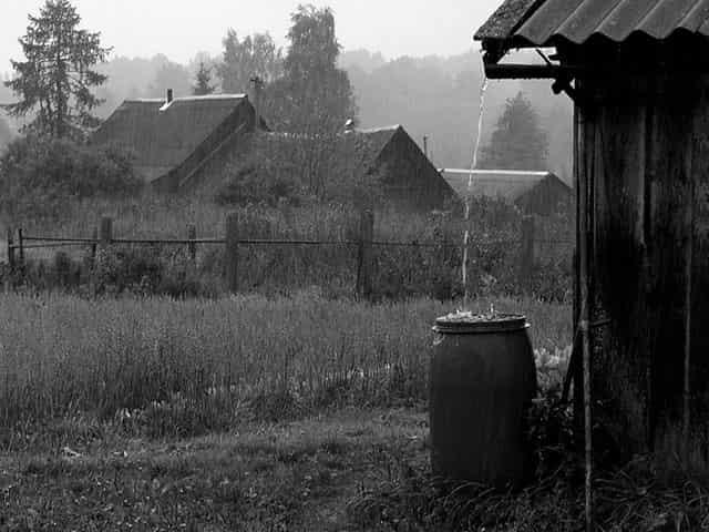 День не заладился - дождь в деревне