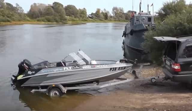 Как спустить лодку на воду, не нарушая закона