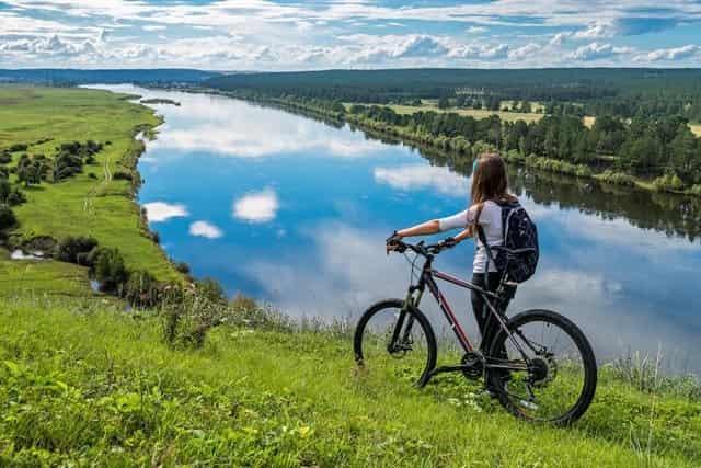 На велосипеде у реки таже под запретом