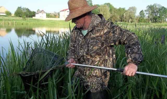 Рыбалка когда на дне трава - хитрый способ
