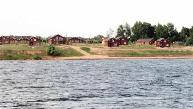 Коттеджные посёлки вдоль Волги