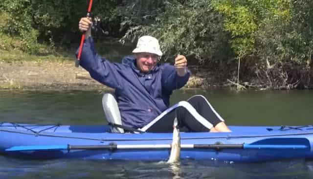 """Три хитрых самоделки для рыбалки, сделанных прямо на берегу """"на коленке"""""""