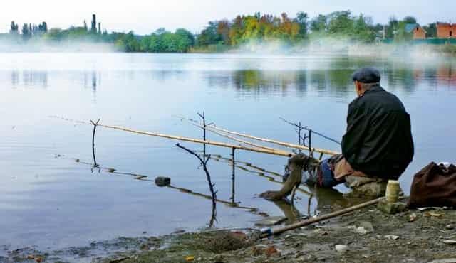 Погода во время рыбалки: когда ловить рыбу и когда не стоит (народные приметы)