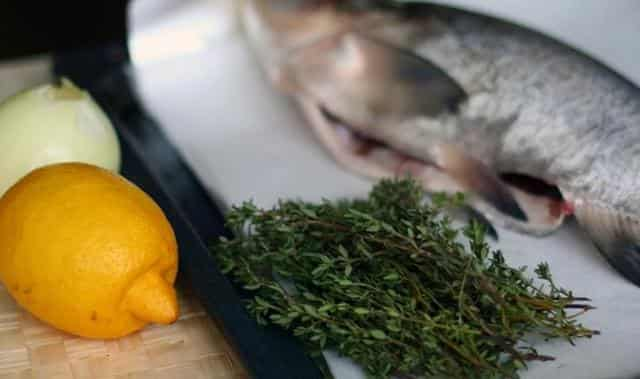 Лимон и рыба не станет пахнуть тиной