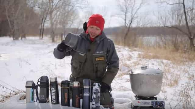 """Рыбачок """"Колян"""" посоветовал лучший термос для рыбалки, который долго держит тепло"""