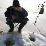Рыбацкая старая хитрость как в 2 раза дольше сохранить лунку от замерзания
