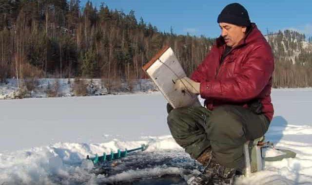 """Рыбацкая хитрая """"приспособа"""" для протяжки верёвки подо льдом"""